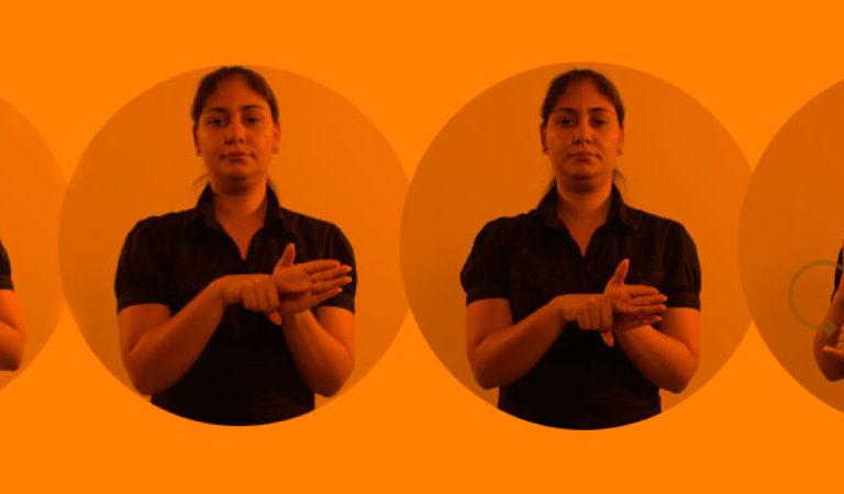 Uma intérprete de Libras sinaliza em quatro fotos diferentes as seguintes palavras: ajudar, perguntar, pesquisar, internet