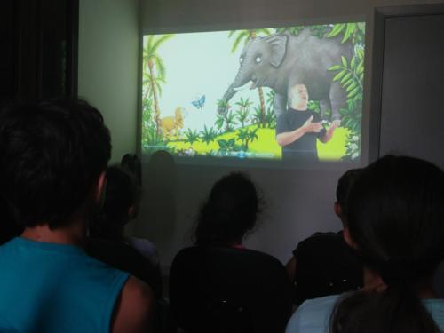 """""""Macaco danado"""": sessão do filme em formato acessível"""